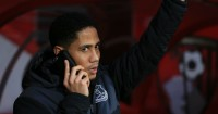 Steven Pienaar: Says Everton have ignored his representatives