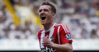 Steven Davis: Signs new three-year deal
