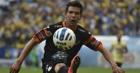 Hirving Lozano: Wants move to 'important' Man Utd