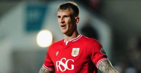Aden Flint: Commits to Bristol City