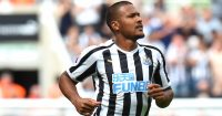 NEWCASTLE UPON TYNE, ENGLAND - AUGUST 11: Salomon Rondon of Newcastle United runs off the ball during the Premier League match between Newcastle United and Tottenham Hotspur at St. James Park on August 11, 2018 in Newcastle upon Tyne, United Kingdom. (Photo by Tony Marshall/Getty Images)