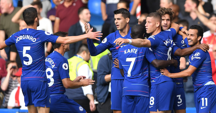 LONDON, ENGLAND - AUGUST 18: Pedro of Chelsea celebrates after scoring his team's first goal with team mates during the Premier League match between Chelsea FC and Arsenal FC at Stamford Bridge on August 18, 2018 in London, United Kingdom. (Photo by Mike Hewitt/Getty Images)