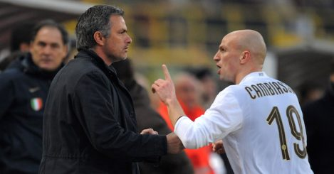 BOLOGNA, ITALY - FEBRUARY 21:ESTEBAN CAMBIASSO and JOSE MOURINHO Manager of Inter during the Serie A match between Bologna and Inter at the Stadio Dallara on February 21, 2009 in Bologna, Italy. (Photo by New Press/Getty Images)