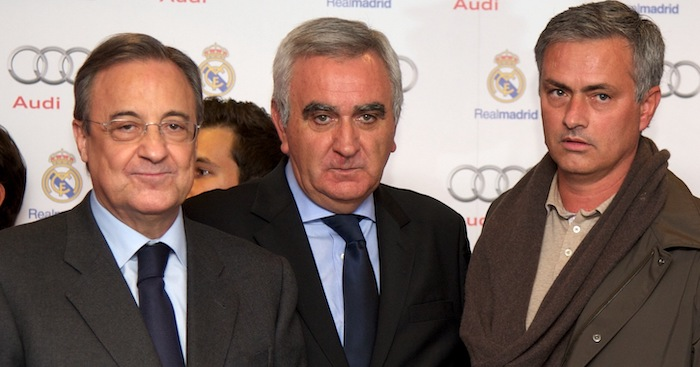 MADRID, SPAIN - NOVEMBER 08: (L-R) Real Madrid President Florentino Perez, Director of Audi Spain Manuel Caballero, Real Madrid head coach Jose Mourinho, Volkswagen Audi Spain President Ludger Fretzen and Daniel Weissland pose for the photographers during the presentation of Real Madrid's new cars made by Audi at the Jarama racetrack on November 8, 2012 in Madrid, Spain. (Photo by Carlos Alvarez/Getty Images)