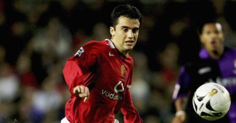 MANCHESTER, UNITED KINGDOM - OCTOBER 26: Giuseppe Rossi of Manchester United leaves Nicky Bailey of Barnet trailing during the Carling Cup third round match between Manchester United and Barnet at Old Trafford on October 26, 2005 in Manchester, England. (Photo by Alex Livesey/Getty Images) *** Local Caption *** Giuseppe Rossi;Nicky Bailey