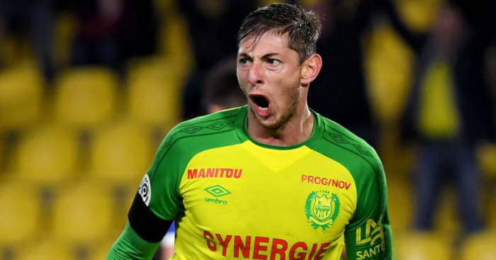 Emiiano.Sala21 - Messi joins calls for search to continue for Cardiff striker Sala