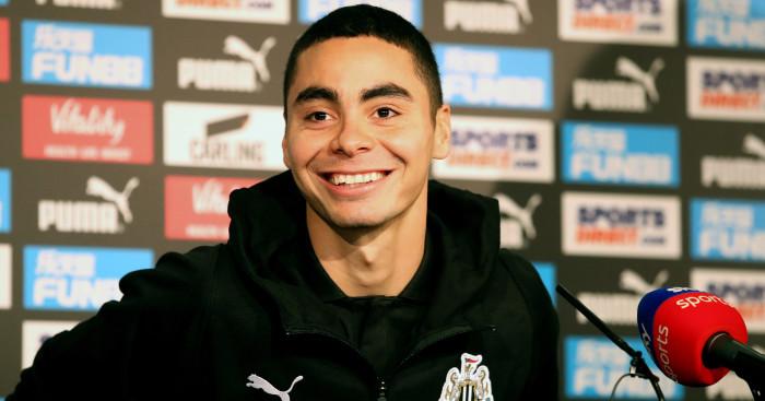 Agent of record Newcastle signing makes Man Utd revelation