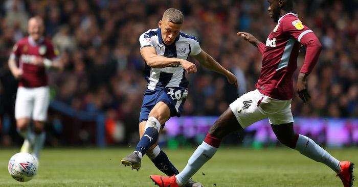 BIRMINGHAM, ENGLAND - MAY 11: Dwight Gayle of West Bromwich Albion scores his team's first goal during the Sky Bet Championship Play-off semi final first leg match between Aston Villa and West Bromwich Albion at Villa Park on May 11, 2019 in Birmingham, England. (Photo by Paul Harding/Getty Images)