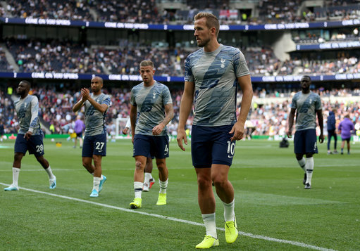 Tottenham 3-1 Aston Villa: Harry Kane secures late win