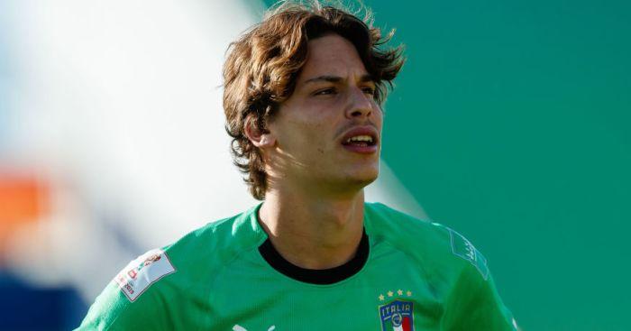 Leeds looking at Casilla alternatives, as Italy starlet is tracked - team talk