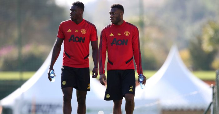 Man Utd enter surprise talks with rarely used defender over new contract - team talk