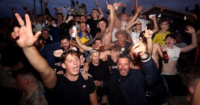 Leeds fans celebrate promotion