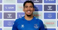 Allan signs for Everton