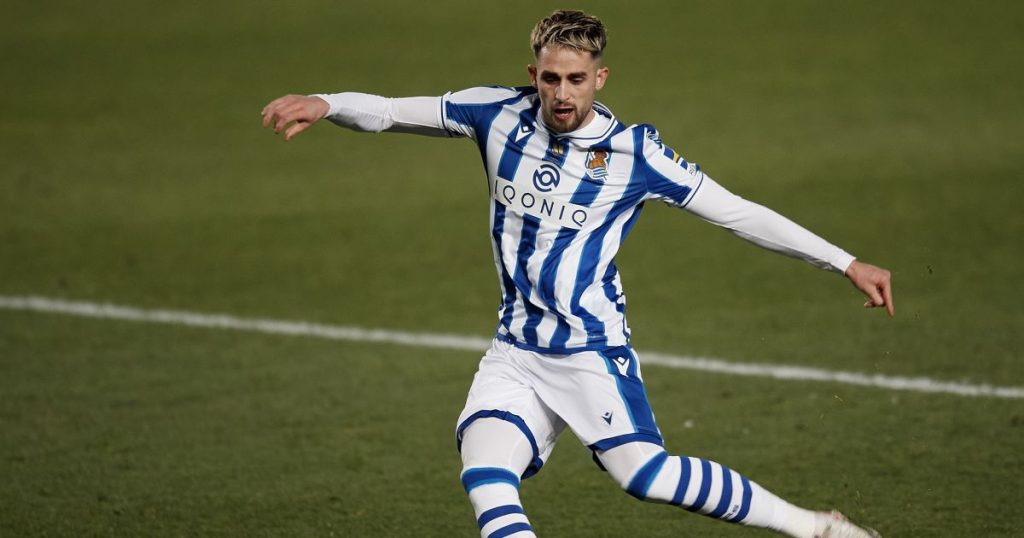 Adnan Januzaj Real Sociedad v Barcelona January 2021