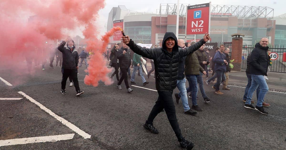 anti-Glazer protestors, Man Utd v Liverpool, May 13, 2021