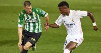 Guido Rodriguez defending against Vinicius Jr. Real Betis v Real Madrid, April 2021