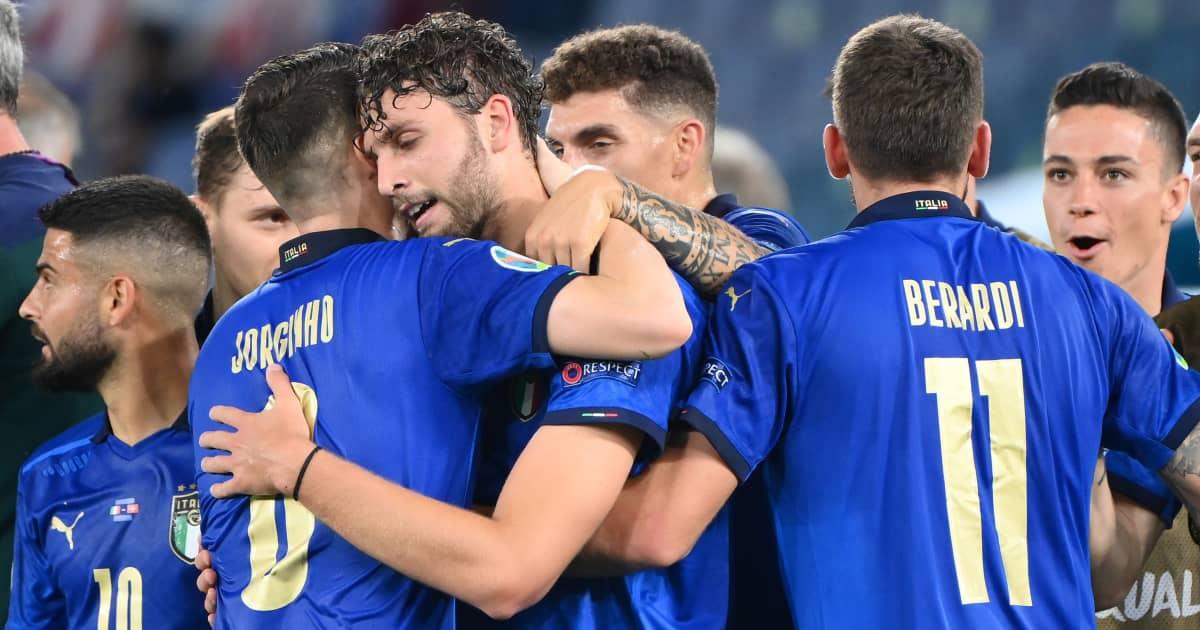 Manuel Locatelli celebrating with Italy teammates at Euro 2020