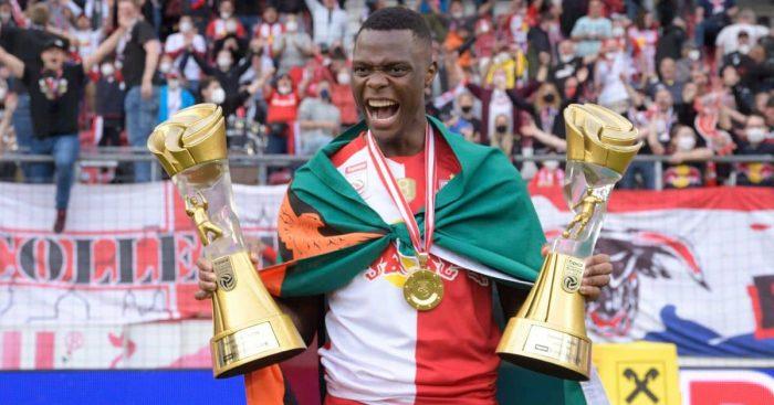 Patson Daka celebrates RB Salzburg May 2021
