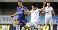 Takehiro Tomiyasu, Nikola Kalinic Hellas Verona v Bologna May 2021