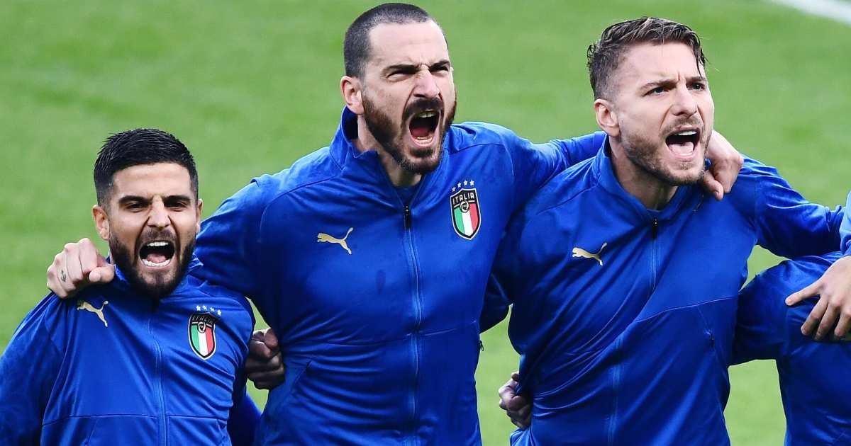 Lorenzo Insigne, Leonardo Bonucci, Ciro Immobile belt out Italy national anthem