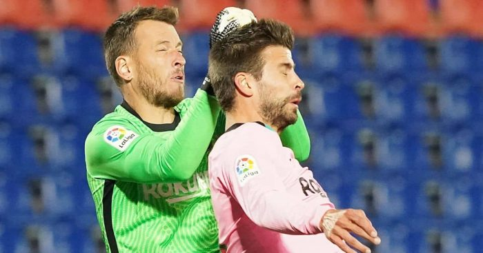 Neto, Gerard Pique. Barcelona TEAMtalk