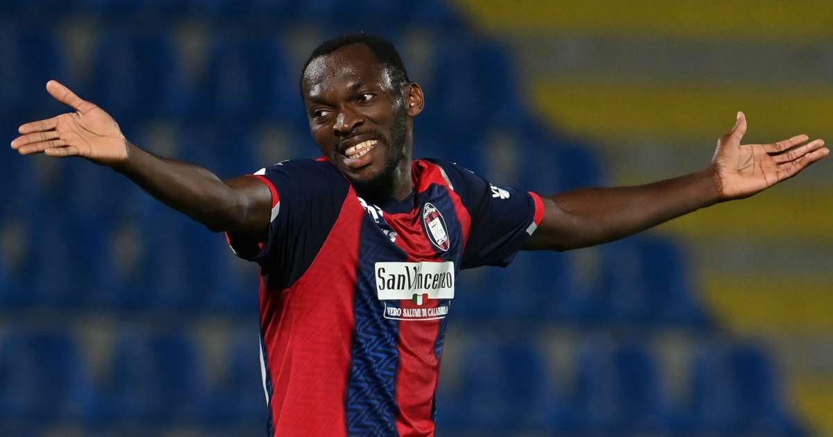 Simy, Crotone striker TEAMtalk
