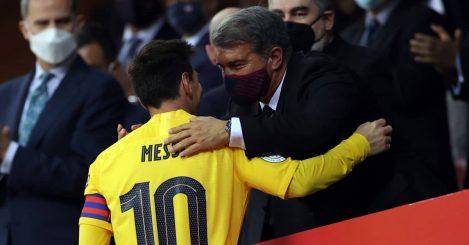 Joan-Laporta-Lionel-Messi chat Copa del rey final embrace April 2021