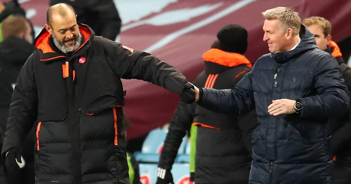 Nuno Espirito Santo fist bumping Dean Smith after Wolves faced Aston Villa 2021