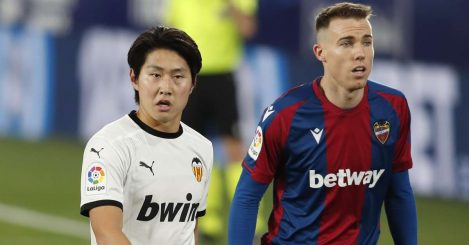 Kang-in Lee of Valencia and Carlos Clerc of Levante