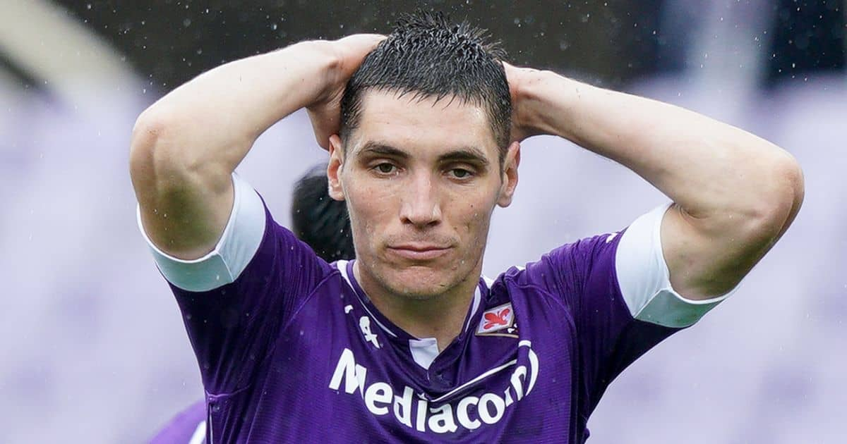 Nikola Milenkovic hands on head Fiorentina Serie A game