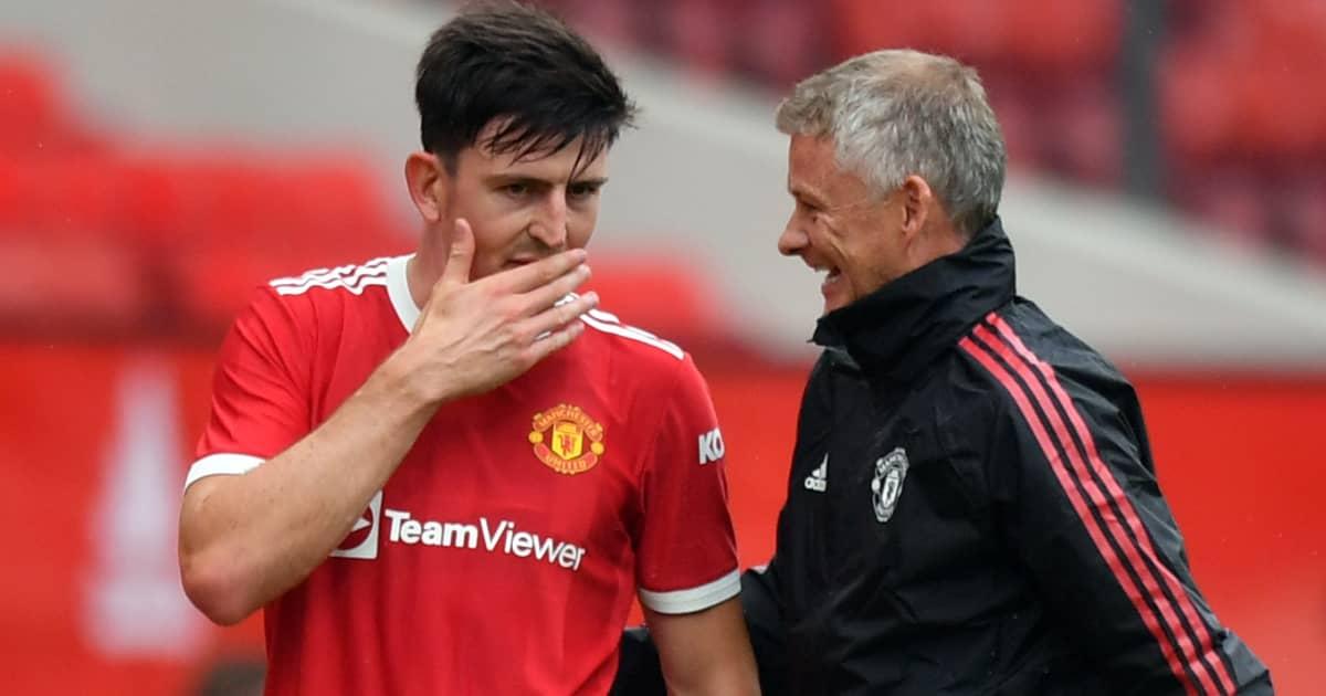 Man Utd captain speaking with Ole Gunnar Solskjaer after defeating Leeds 5-1