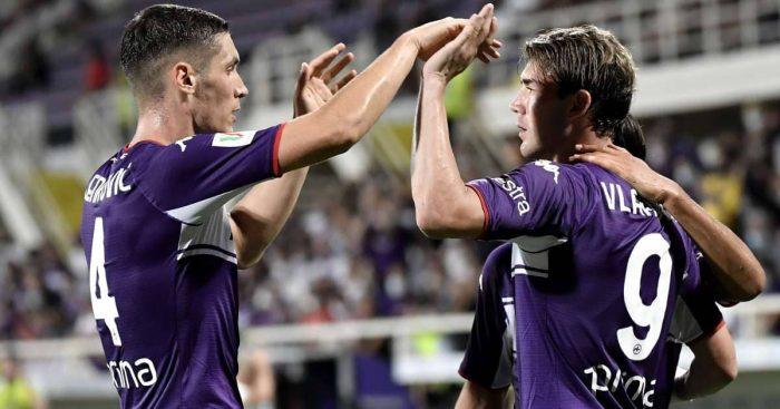 Nikola Milenkovic celebrating Fiorentina goal scored by Dusan Vlahovic