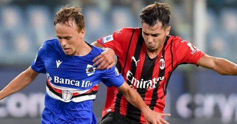 AC Milan's Brahim Diaz (R) vies with Sampdoria's Mikkel Damsgaard during a Serie A football match between Sampdoria and AC Milan in Genoa