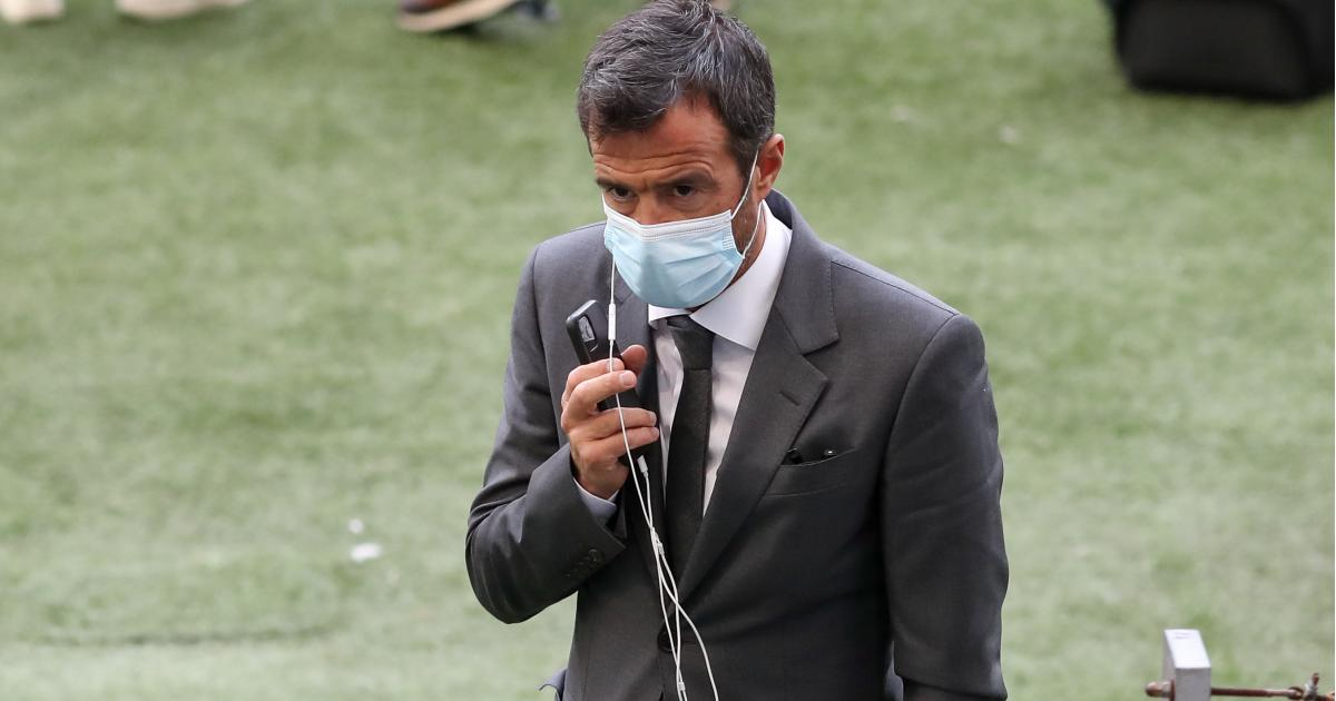 Jorge Mendes on the phone