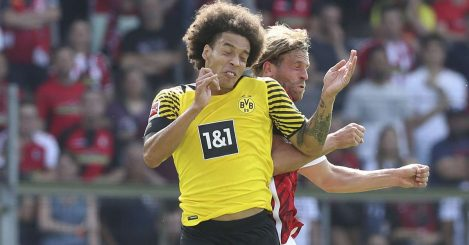 Axel Witsel rising for a header for Borussia Dortmund, August 2021