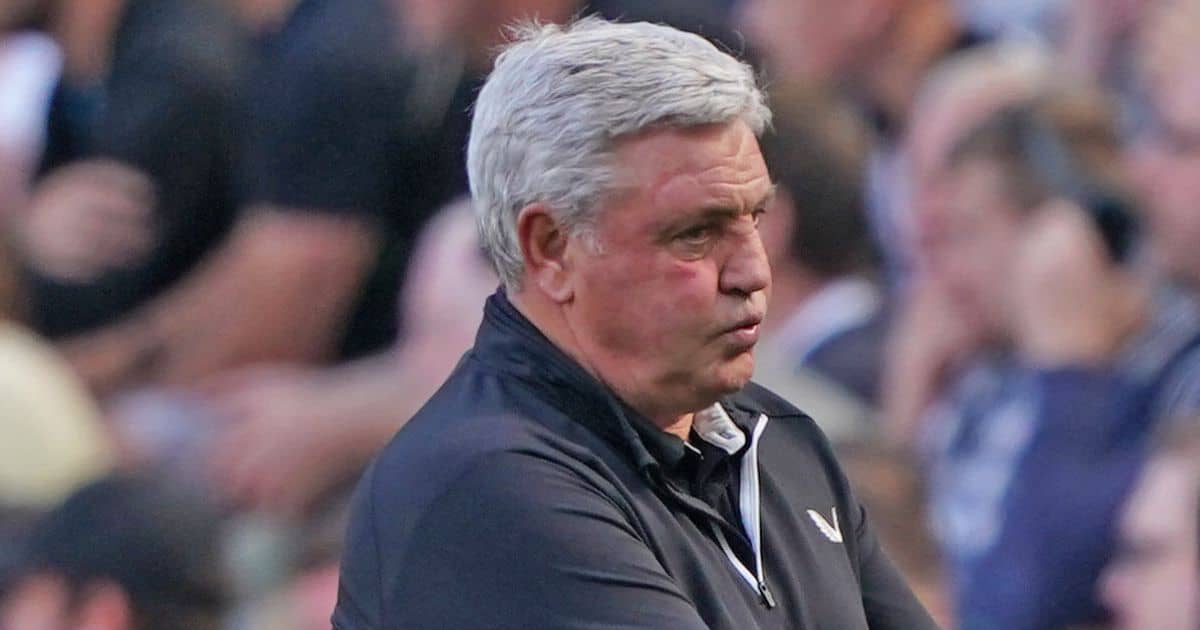 Steve Bruce reacts during Newcastle v Southampton