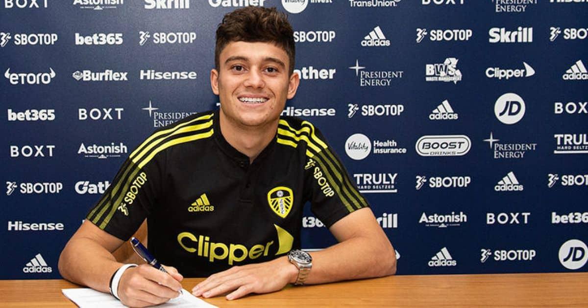daniel james signs for Leeds United - pic via LeedsUnited.com