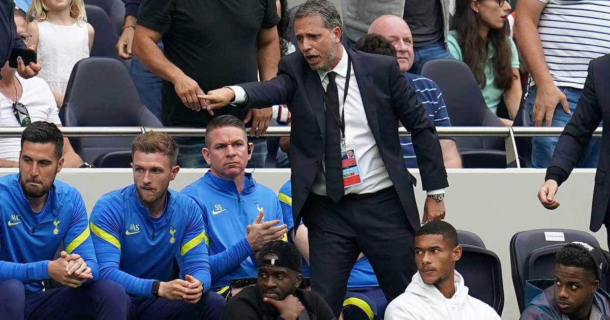 Fabio Paratici points towards something during Tottenham vs Man City, August 2021