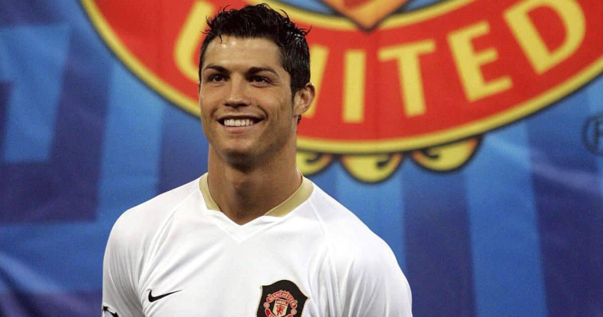 Cristiano Ronaldo Manchester United crest back in 2007 Champions League