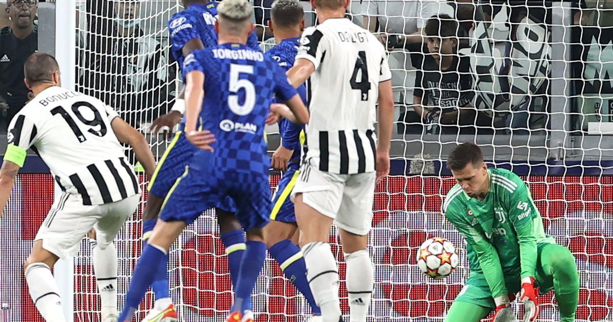 Chelsea v Juventus Wojciech Szczesny save