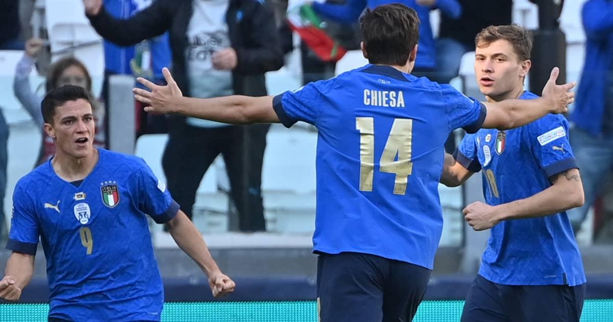Nicolo Barella celebrates with Federico Chiesa after scoring for Italy vs Belgium, October 2021