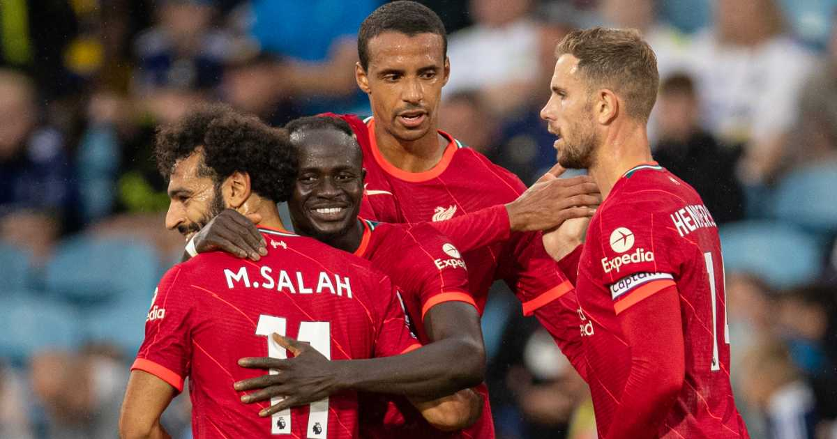 'No chance' - Merson dashes Liverpool claim as Man Utd have upper hand